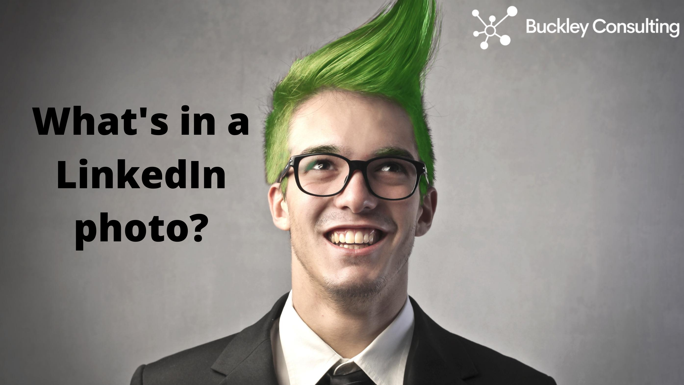 What's in a LinkedIn Photo?